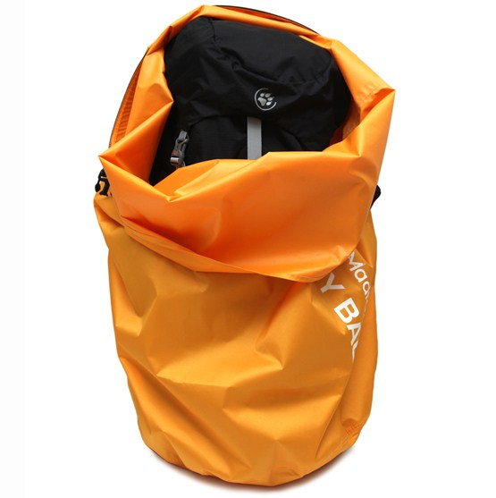 madfox_1_tui-kho-drybag-60l-backpack-in.jpg